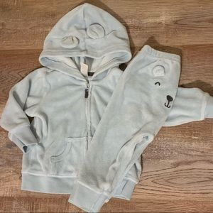 🍀 5 for $25 boys soft velour outfit